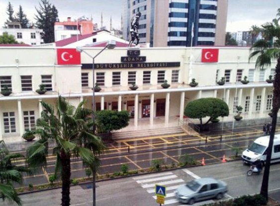 Adana'da belediyede çalışan 1700 işçi kapsam dışı bırakıldı