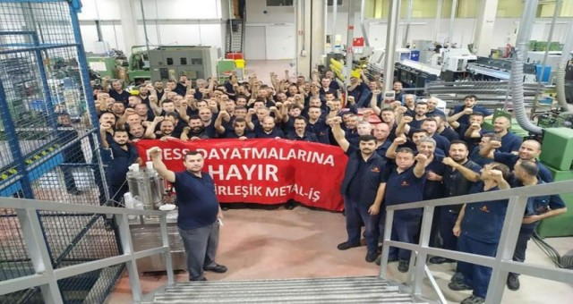 Birleşik Metal-İş üyesi işçiler, MESS dayatmasına karşı fazla mesaiye kalmayacak