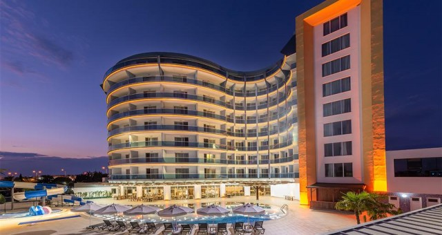 Sendika 108 odalı otelini açtı