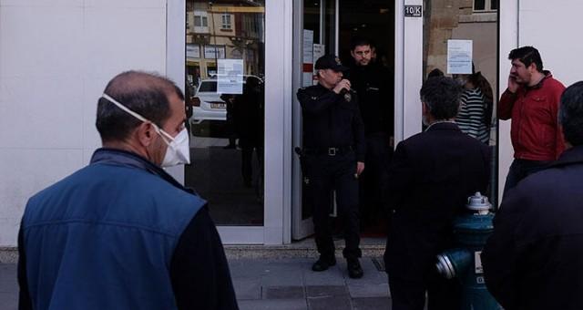 65 yaş üzerine hizmet veren banka müdürü ve güvenlik görevlisi hakkında tutanak tutuldu!